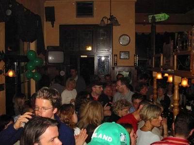 http://pipers-corner.de/media/events/2004_03_17/002.jpg