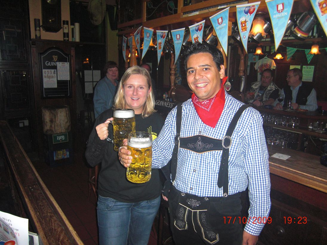 http://pipers-corner.de/media/events/Oktoberfest 2009/k-CIMG0730.JPG